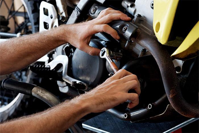 Si vous cherchez un mécanicien moto à domicile à Argentan, vous pouvez faire confiance aux professionnels d'Horizon Motos. Ces professionnels prendront en charge tous vos dépannages.